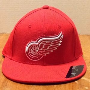 Detroit red wings fitted cap